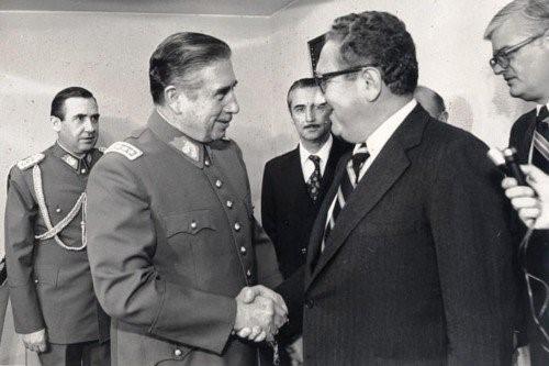 ▲ 키신저와 아우 구스토 피노체트 장군 (1970년대)